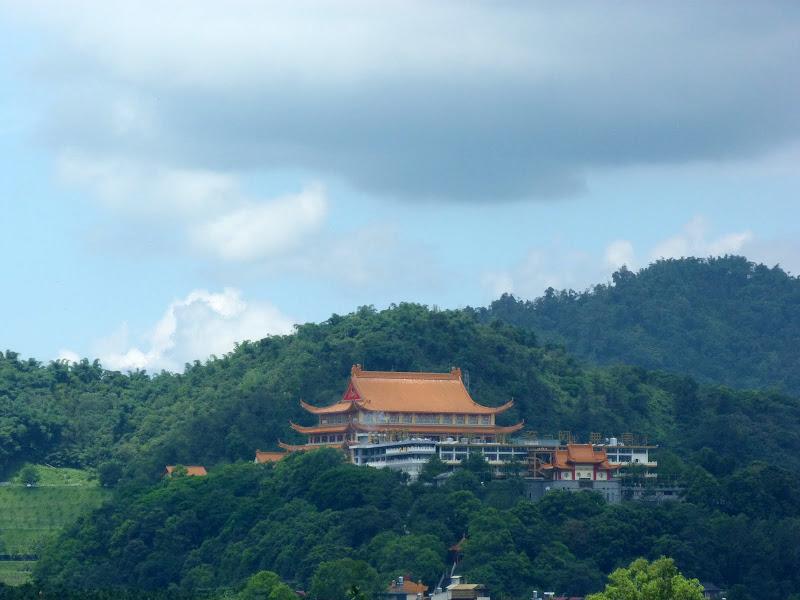 Au loin un autre temple