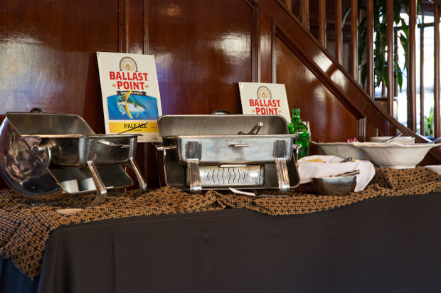 photo of another buffet table