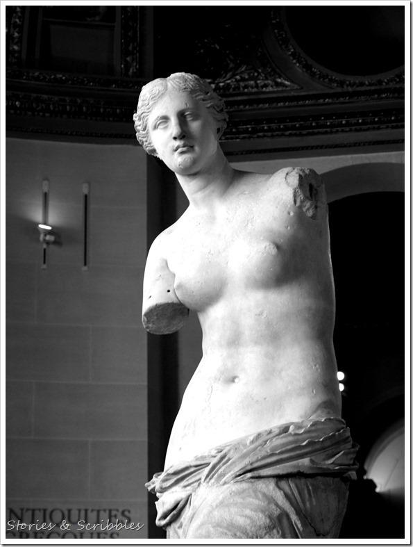 Venus de Milo (Louvre Museum, Paris)