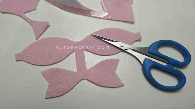 Como cortar feltro e fazer laço de feltro