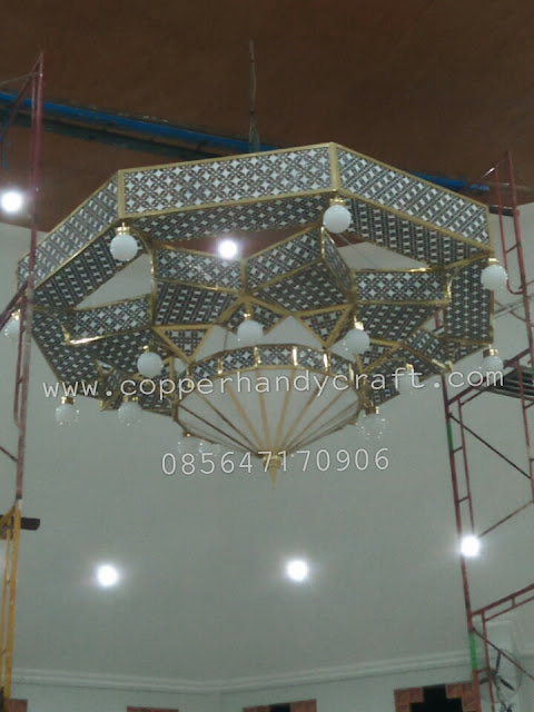 Lampu gantung masjid maroko kuningan