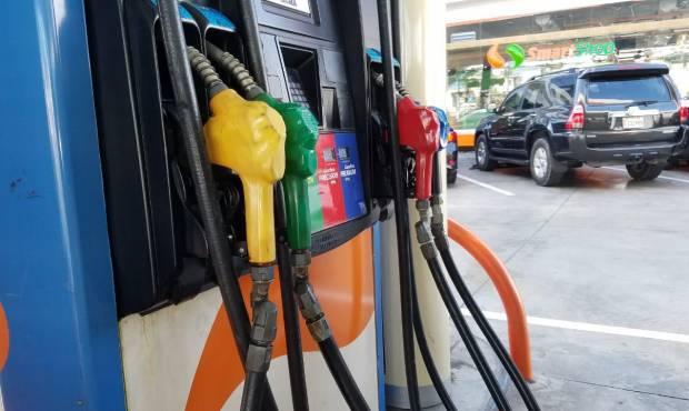 Congelan el precio de todos los combustibles por 6ta. semana consecutiva