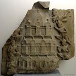 Sanctuaire à étages. Andhra Pradesh, Ghantaśālā. Ecole d'Amarāvatī, fin 1er - début 2e s. Plaque de revêtement de stūpa, calcaire marmoréen. MG 17851.