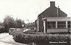 Giessenburg. Giessenlaan met PTT Spaarbank.  Gelopen gestempeld in 1971.