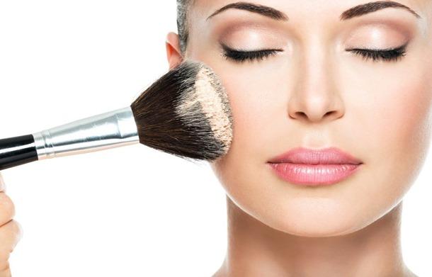 Benarkah Lelaki Memilih Wanita Natural Look Berbanding Makeup? Ini Jawapannya..