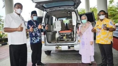 Terima Satu Unit Ambulans dari BRI, Wako Hendri Septa: Semoga Makin Tingkatkan Pelayanan Kesehatan