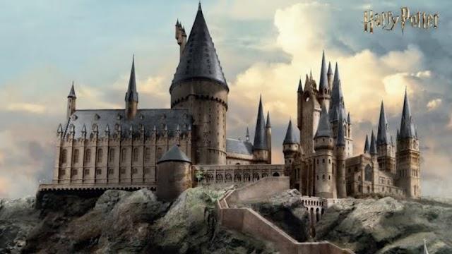 Em 31 de Julho, Hogwarts aguarda o recebimento da coruja dos alunos confirmando sua aceitação