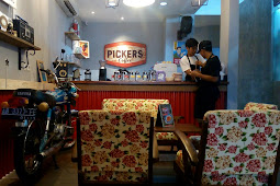 Warung Pickers: Tempat Makan Asik Buat Foto-Foto Instagram Khas Vintage