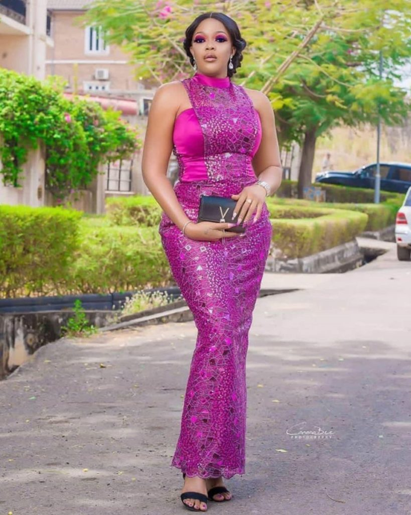 97 Edition Of #Ebfablook - Do You Wana be Star Woman? Here's Aso Ebi Outfits And Styles For all time