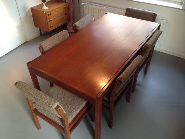 Pastoe eethoek tafel met zes SW 41 stoelen