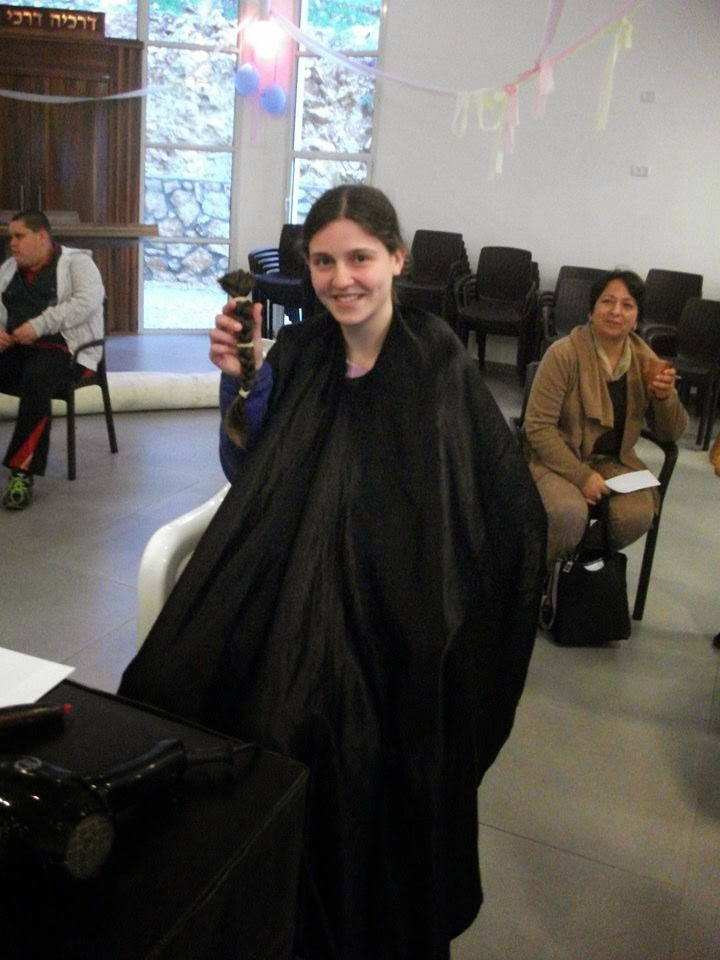 Donating hair for cancer patients 2014  - 1488644_539677386148559_1803067172_n.jpg