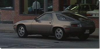 Porsche 928 Risky Business