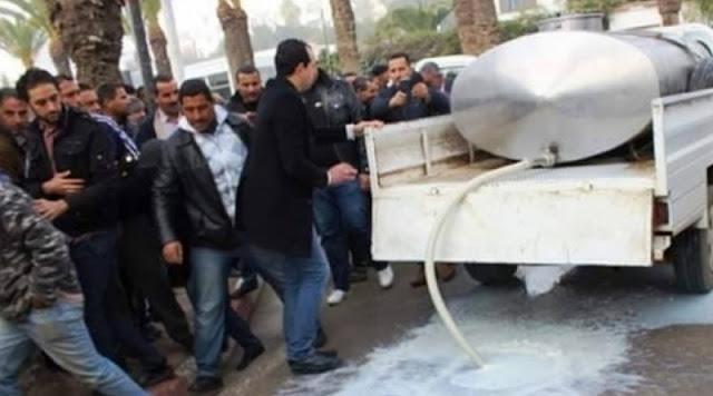 تونس : سكب 500 ألف لتر من الحليب في الشوارع خلال الـ3 أيام الأخيرة