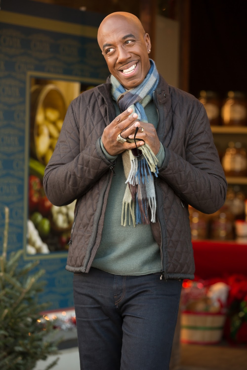 JB Smoove in ALMOST CHRISTMAS. (Photo by Quantrell D. Colbert / courtesy of Universal Pictures).