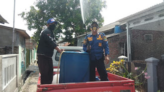 BPBD Karawang Semprotkan Disinfektan di Wilayah Desa Berstatus Zona Merah