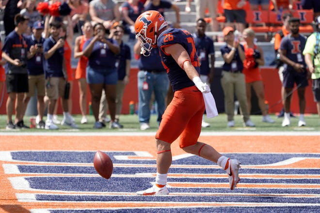 Illinois beats Nebraska in college football's opener as Cornhuskers' troubles grow