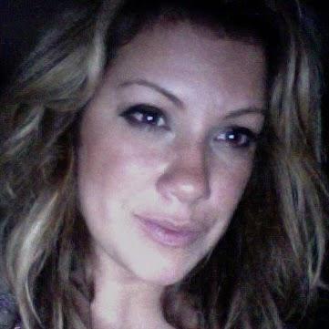 Elvira Aguirre Photo 27