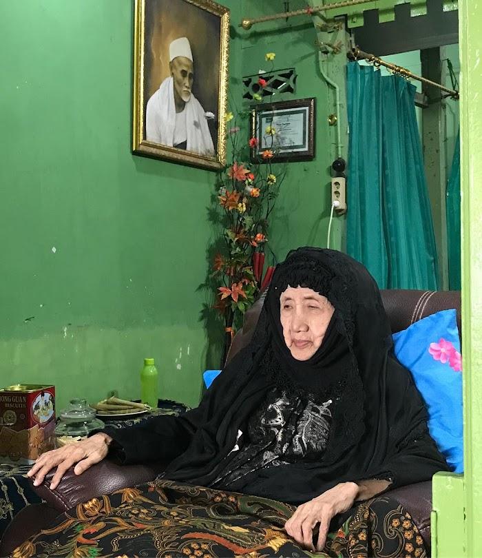 Innalillahi, Ulama Perempuan Lasem Ny. Hj. Azizah Maksum Wafat