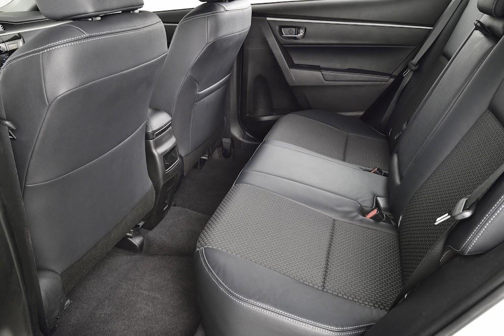 Yeni-2014-Toyota-Corolla-ic-mekan-kabin-5