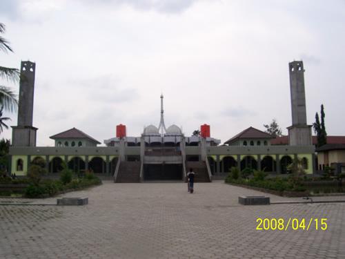 Masjid Pondok Pesantren Modern Dar El Qolam - Jayanti - Tangerang - Banten