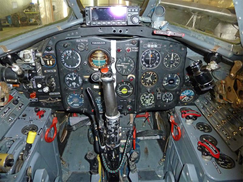 MiG17-cockpit-800.jpg