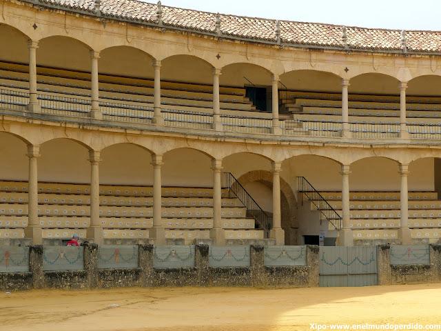 gradas-plaza-toros-ronda.JPG