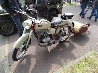 2016.06.05-011 moto Gnome Rhône et sa remorque