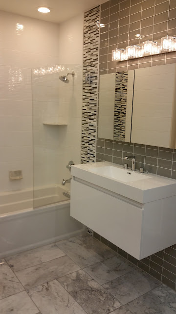 Bathrooms - 20150825_114308.jpg