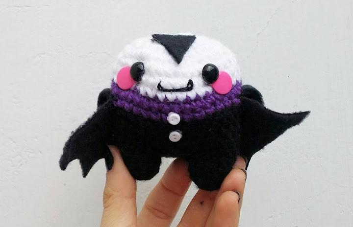 Halloween 2015 amigurumi crochet along. Join and learn how to make a little amigurumi vampire!