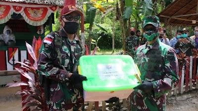 Pangkoopsdam XII/Tpr Kunjungi Pos Satgas Pamtas RI - Malaysia