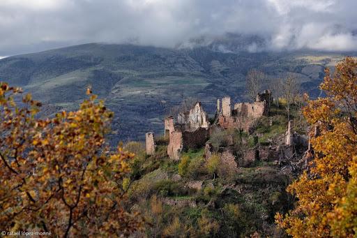 Despoblat de Gramenet de Beraniu. La Vall Fosca. Pirineus. Ruta El cinquè llac. La Torre de Capdella, Pallars Jussà, Lleida