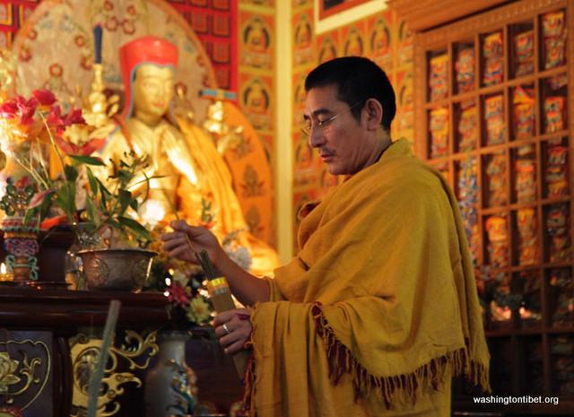 Tenshug for Sakya Dachen Rinpoche in Seattle, WA - 06-cc0036%2BA96.jpg