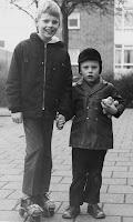 Groeneweg, Walter en Ronald Rotterdam Pendrecht 1970.jpg