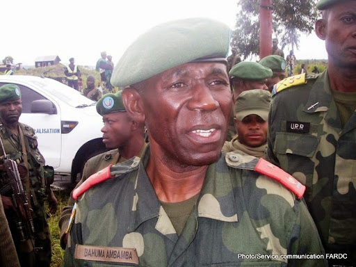 """Le général Lucien Bahuma sensibilise la population de Beni pour qu'elle soutienne l'opération militaire """"Sokola"""" contre les ADF."""