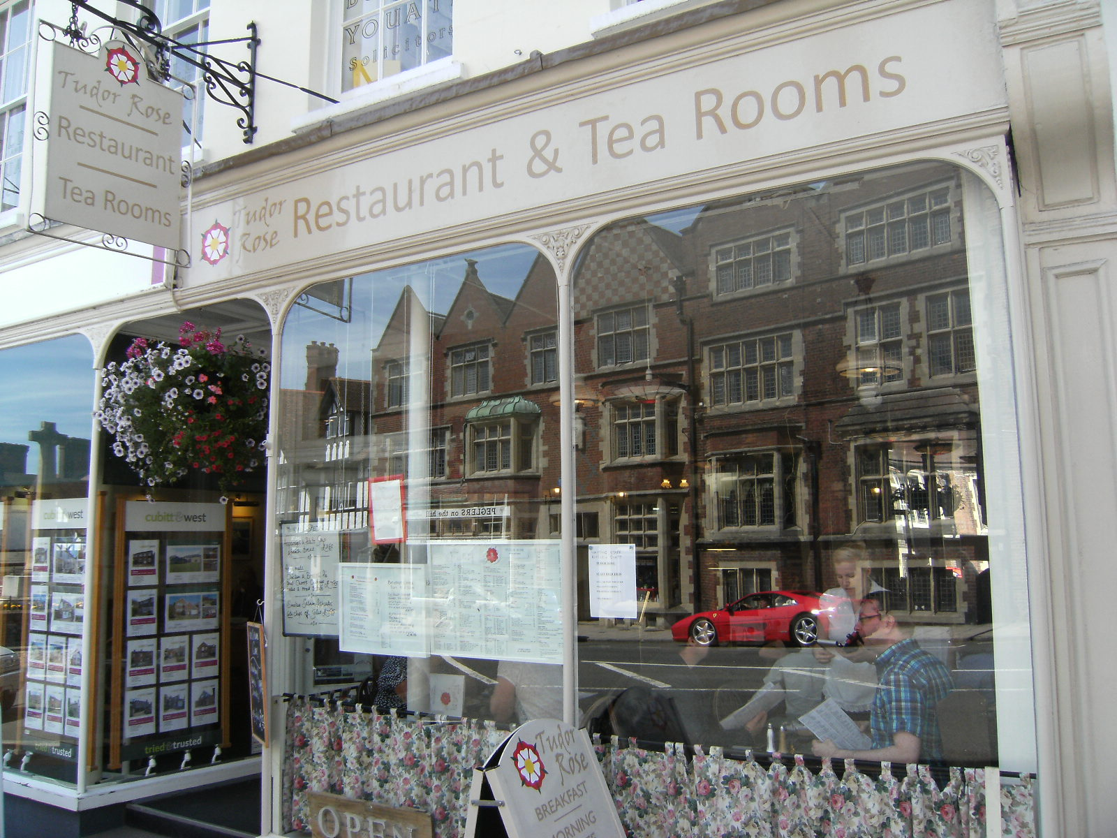 1007190077 Tudor Rose Tea Rooms, Arundel