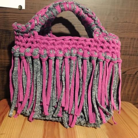 Guild by POD 編み物教室 生徒さんの作品Tシャツヤーンのバッグ
