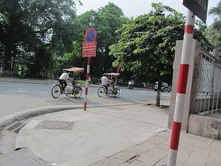 0012Pedicab_Ride_in_Hanoi