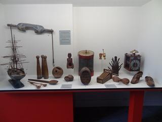 2016.08.07-032 objets en bois au musée de Normandie