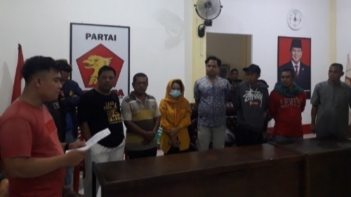 Ditemukan Berduaan Malam-malam Bersama Sespri Wanita di Kantor Gerindra, Ketua DPRD Pasaman Barat Minta Maaf