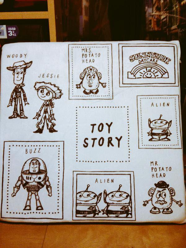 shimamura-cushion-toystory03.jpg