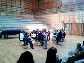 Photo: University Camerata with Kathryn Redgers performing Gluck at Strings Day during Summer Music week.