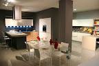 cucine Valcucine, tavolo Glass design in cristallo, sedie Desalto