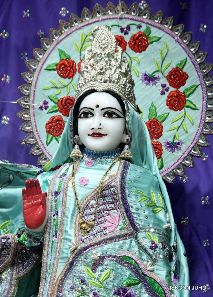 ISKCON Juhu Mangal Deity Darshan on 24th June 2016 (9)