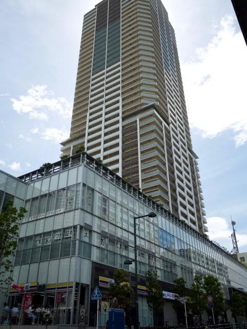 味奈登庵の入る高層ビル