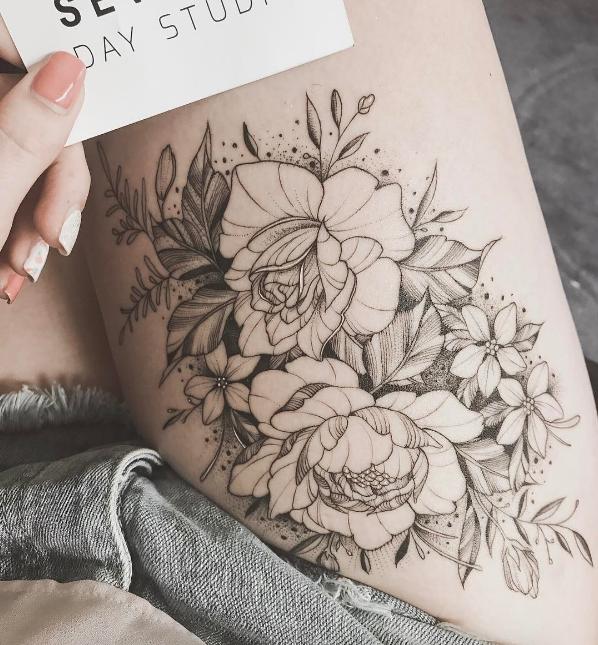 este_floral_delicado_pedaço_de_coxa