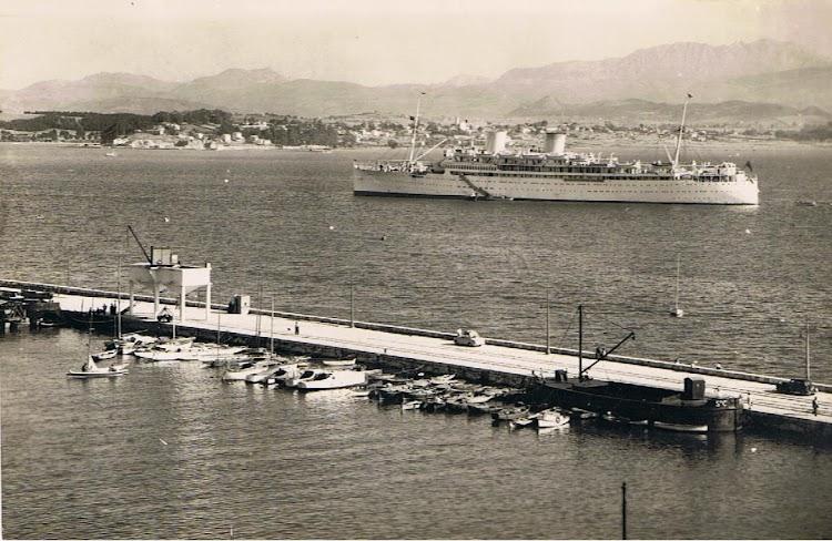 12- Otra preciosa foto del REINA DEL PACIFICO en Santander. Fecha indeterminada. Colección Arturo Paniagua.jpg