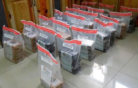 Incautan 97 paquetes de cocaína en Barahona