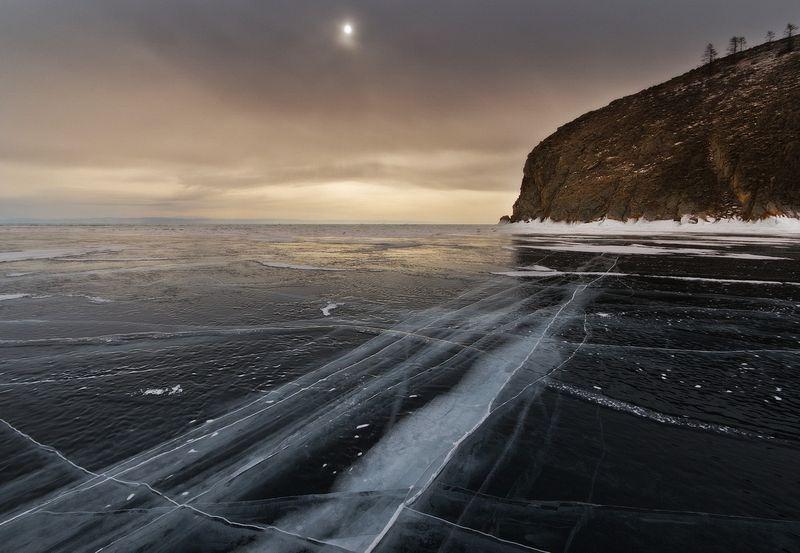 lake-baikal-ice-2