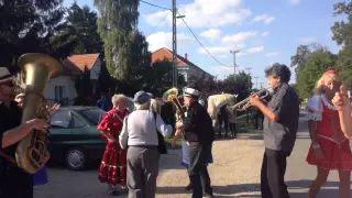 Szüreti felvonulás Jákó 2015 - Tánc Csökölyben 3. video