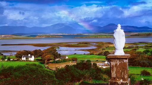 St Patrick's Statue, Mayo County, Ireland.jpg